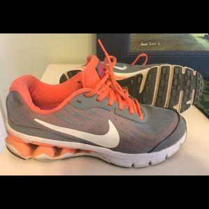 Nike Reax Sneaker